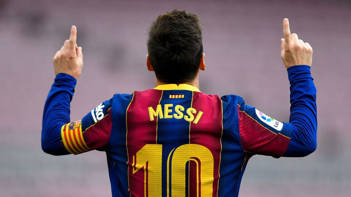 Waiting-for-Messi's-gift