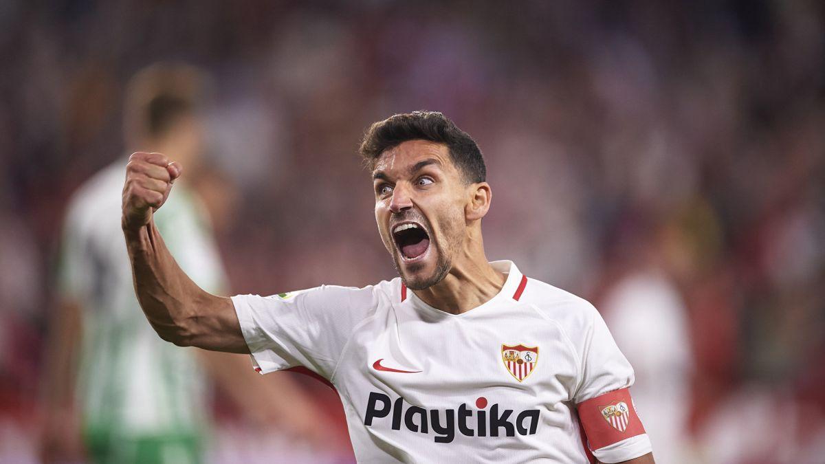 Navas-renews-with-Sevilla-for-three-more-seasons