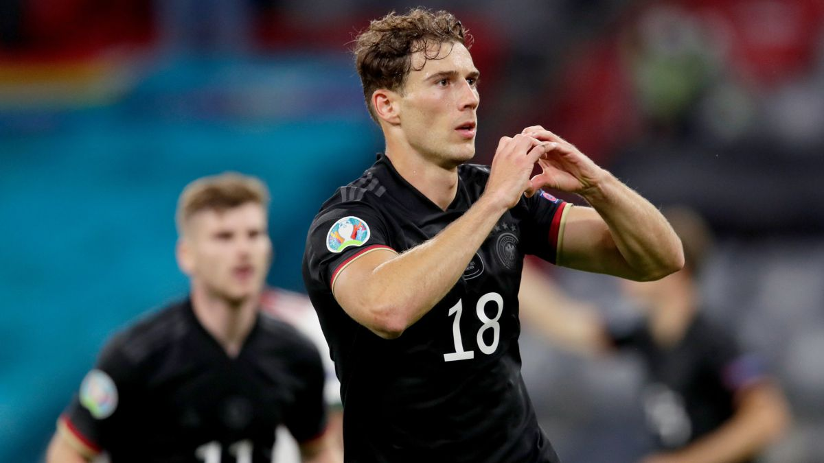 Madrid-and-Barcelona-ask-about-Goretzka's-situation