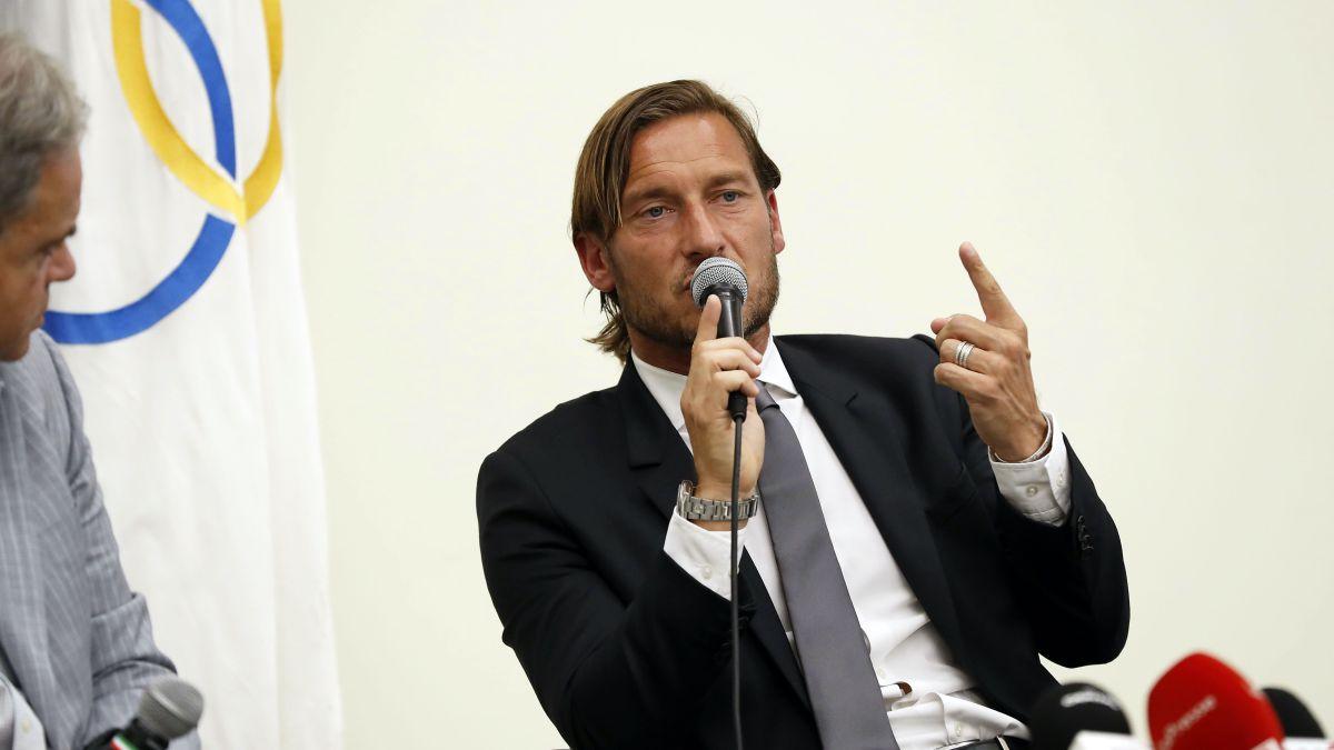Totti-endorses-Mourinho-and-he-responds