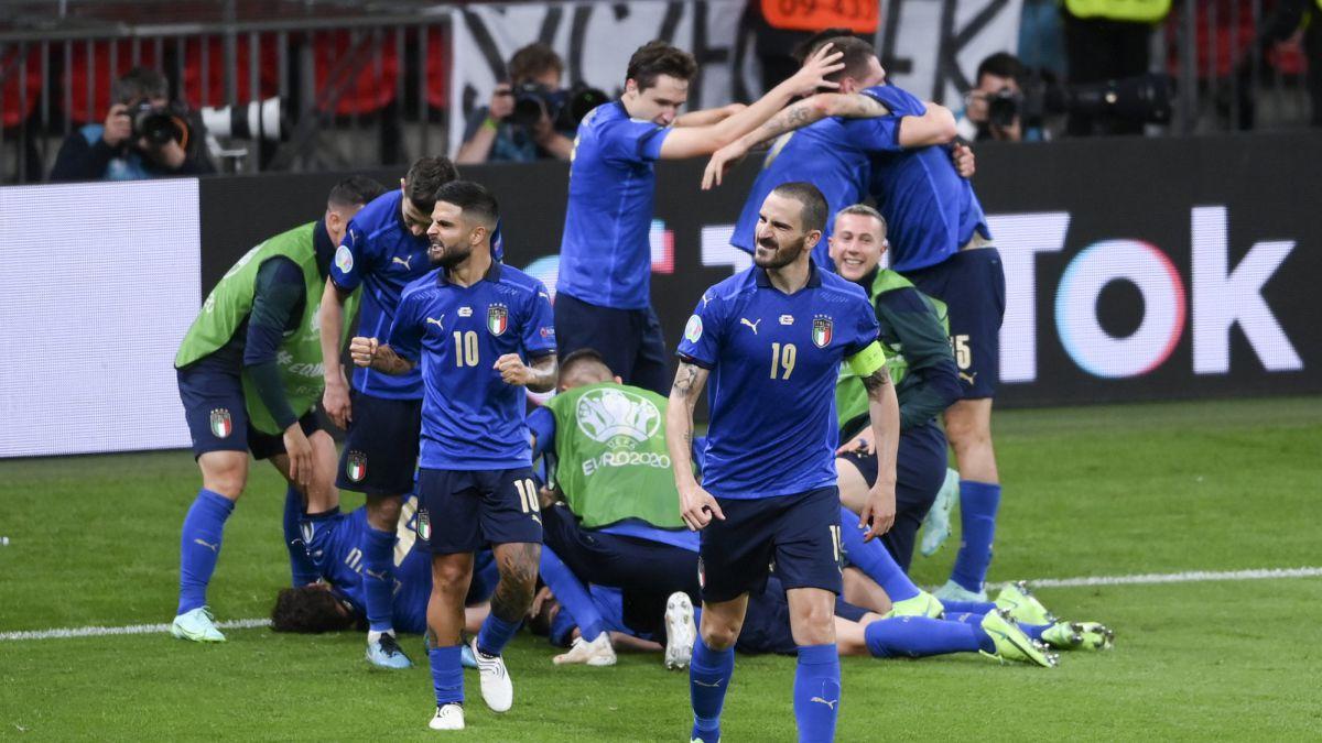 Mancini-and-faith-hold-back-Alaba