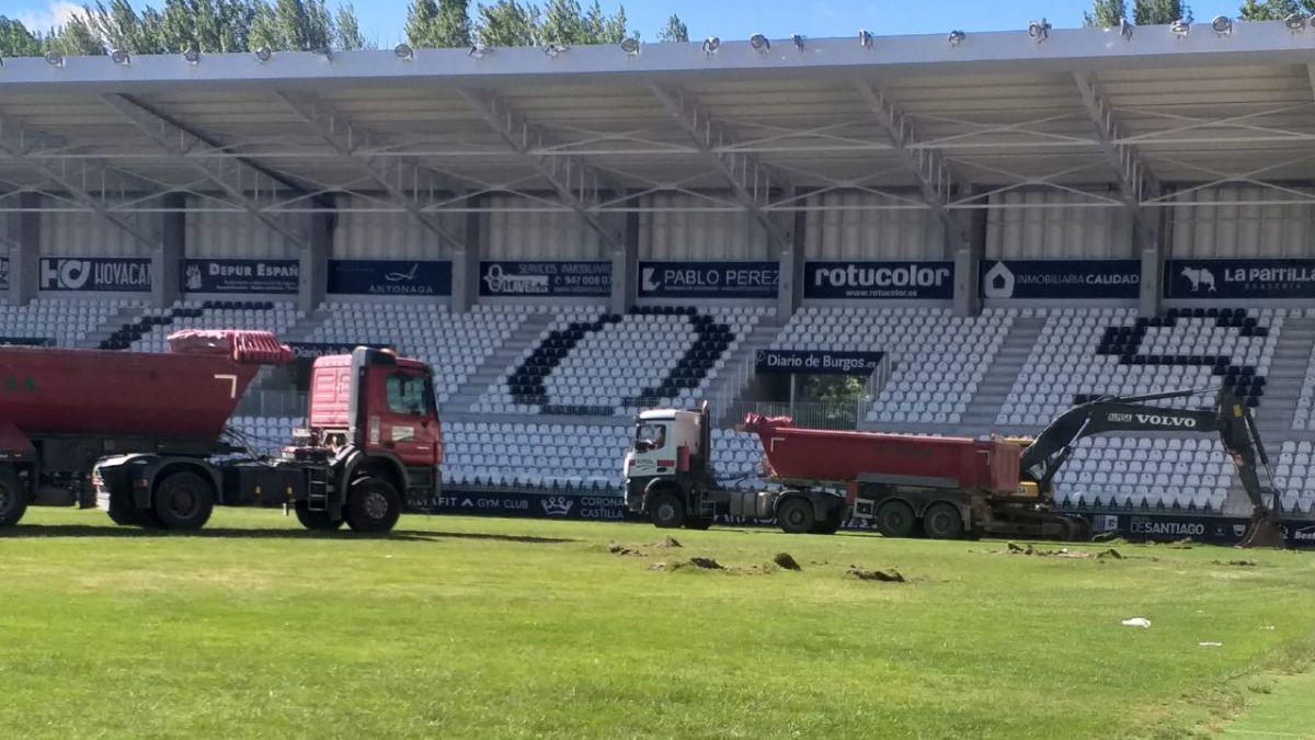 The-remodeling-works-of-El-Plantío-begin