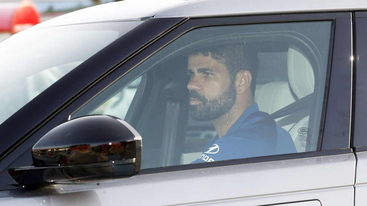 Diego-Costa-waits-in-Madrid-to-decide-his-future