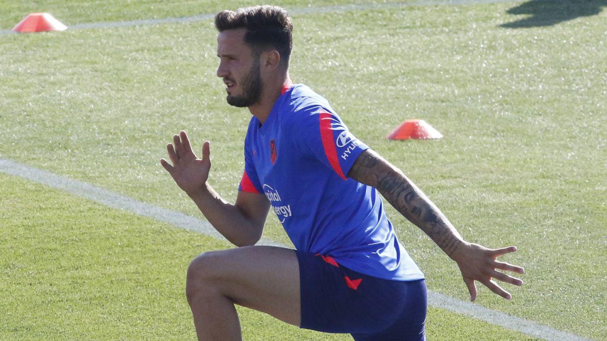 Saúl-not-only-looks-at-Barça