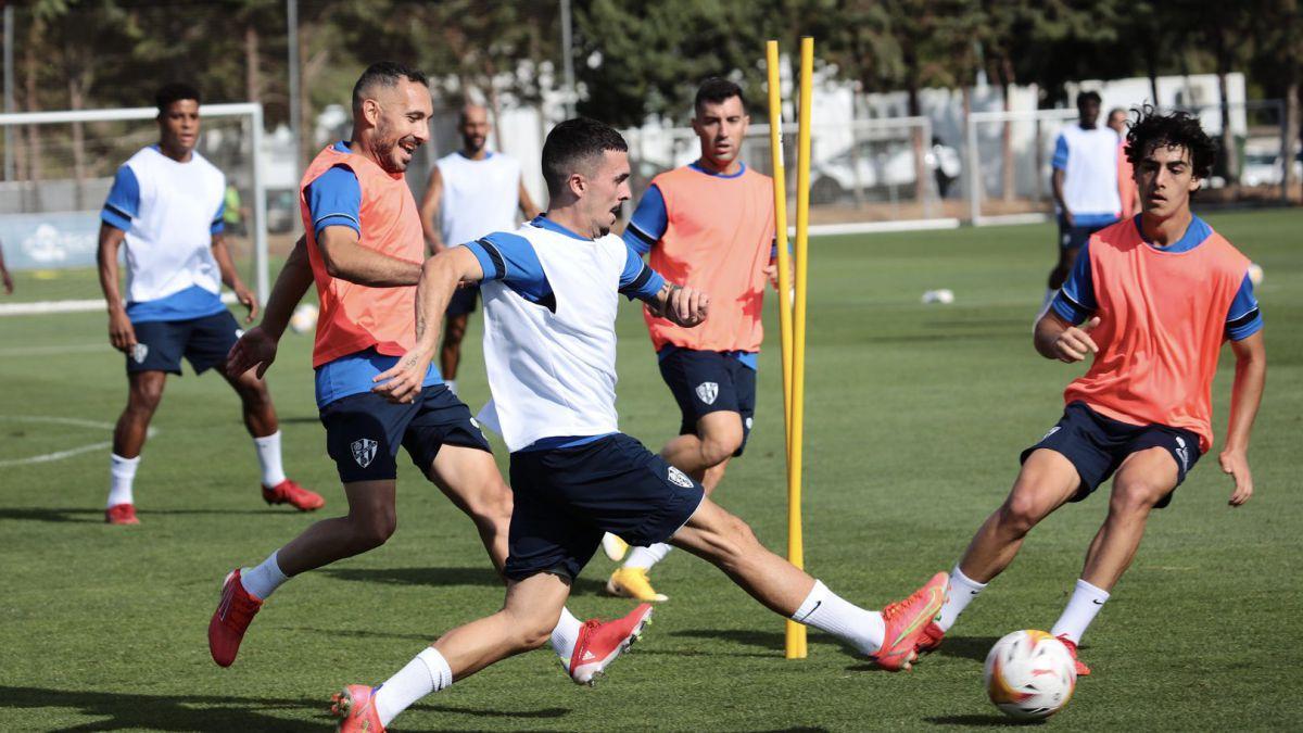 Nacho-Ambriz-chooses-a-system-for-his-Huesca
