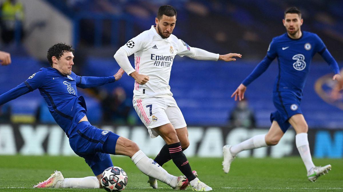 Hazard:-Chelsea-road-opens