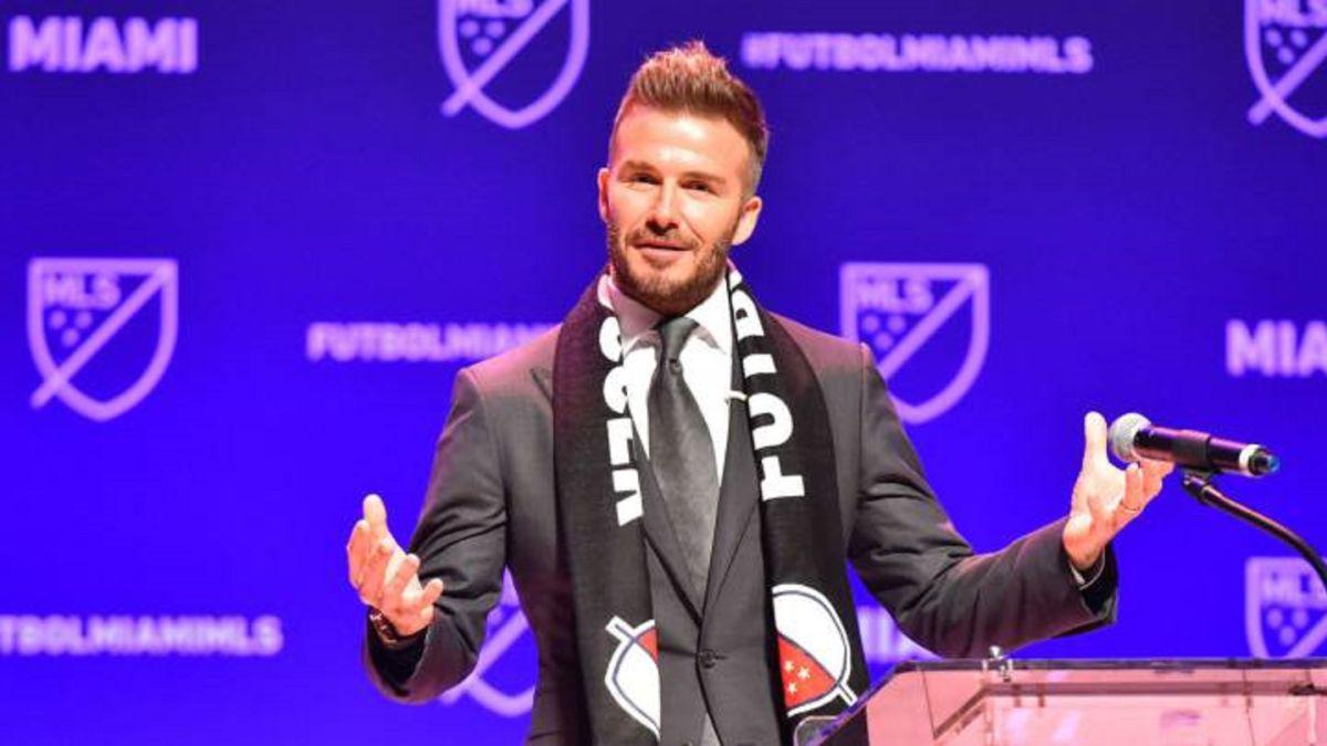 Beckham-and-Higuaín-crash-in-the-MLS