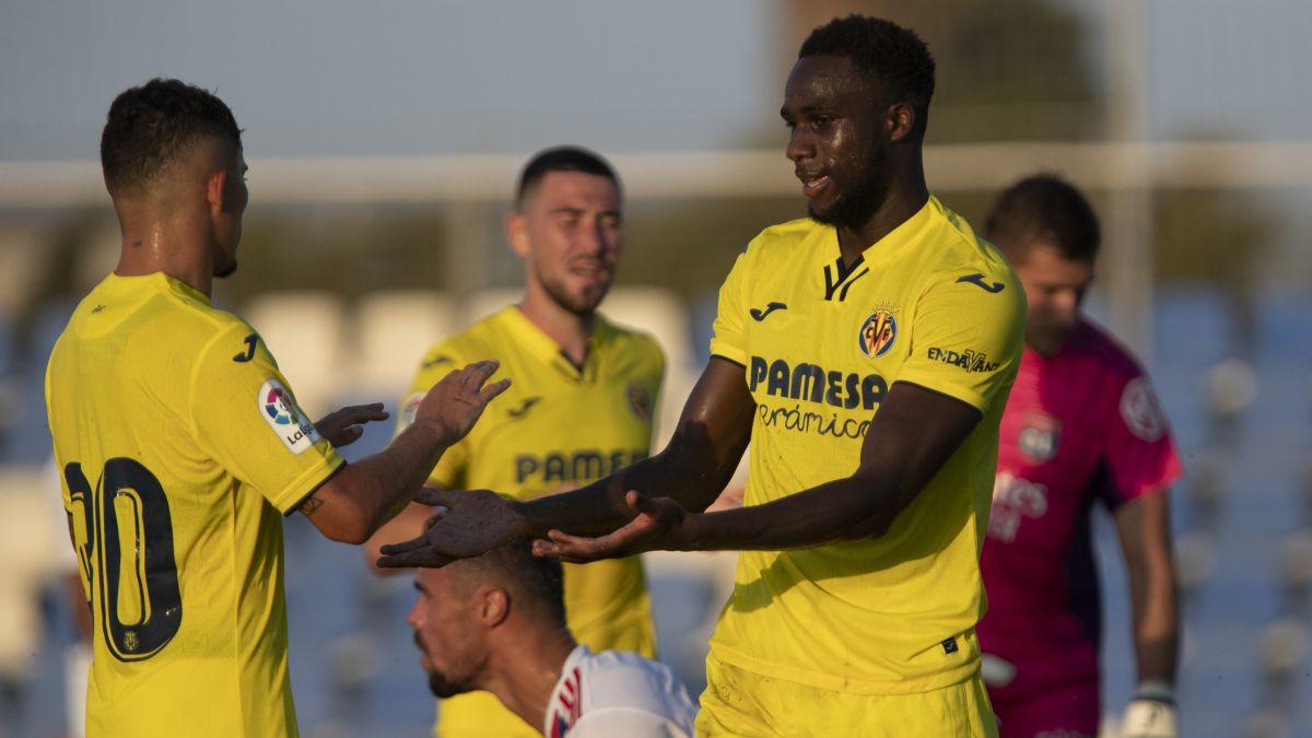 Nikita-and-Boulaye-Dia-give-wings-to-Villarreal