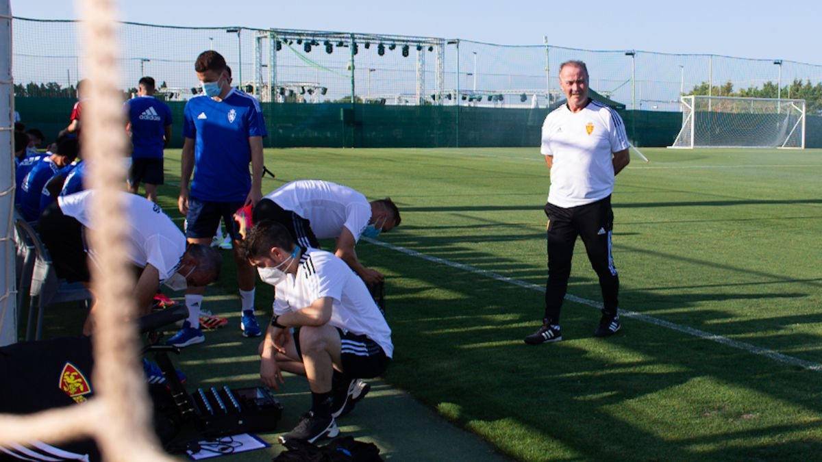 Zaragoza-complete-their-first-training-session-at-the-Pinatar-Arena