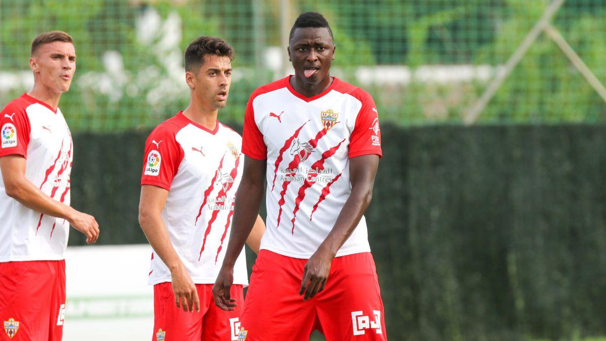 Almeria-does-not-under-sell-Sadiq-Samu-Costa-and-Sergio-Akieme
