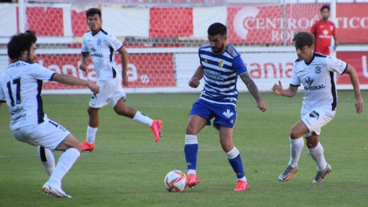 Zamora-Ponferradina-ends-the-referee's-goalkeeping-coach