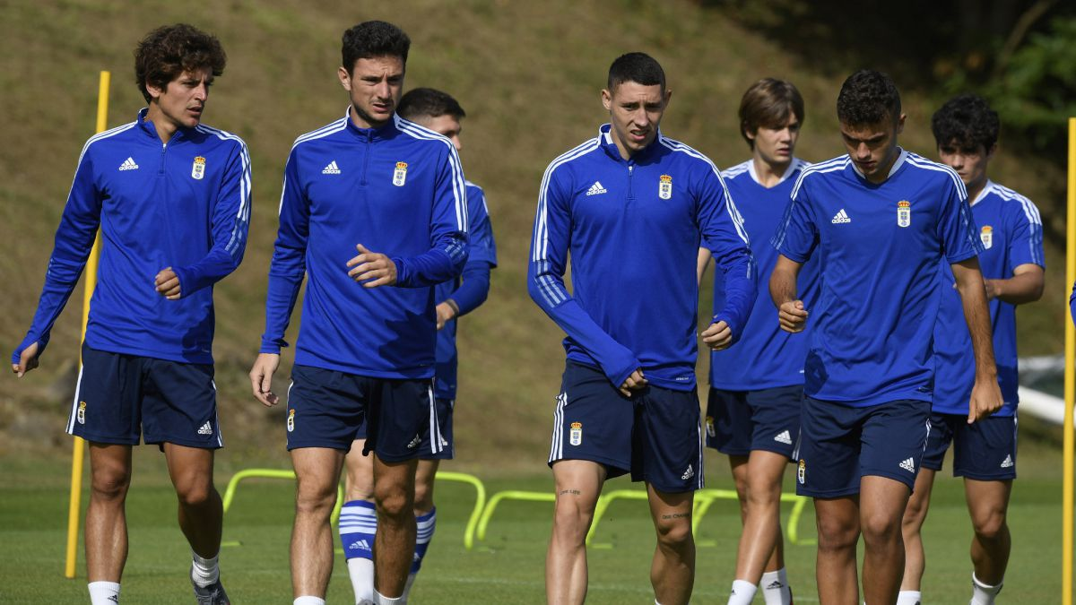 Oviedo-with-doubts-in-the-centrals-for-the-league-debut