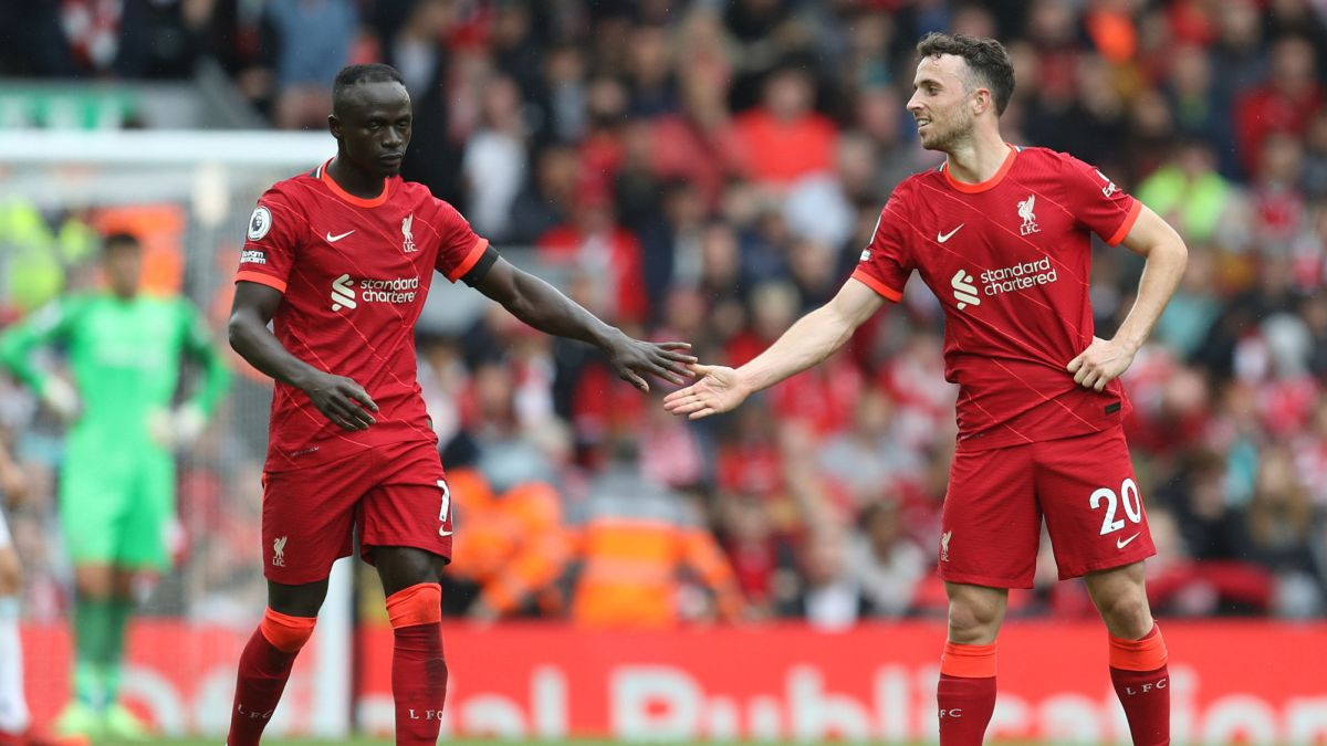 Liverpool-do-not-forgive-in-a-packed-Anfield