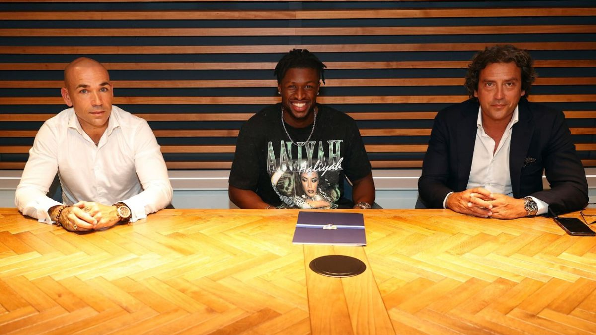 Malaga-makes-the-signing-of-Sekou-official