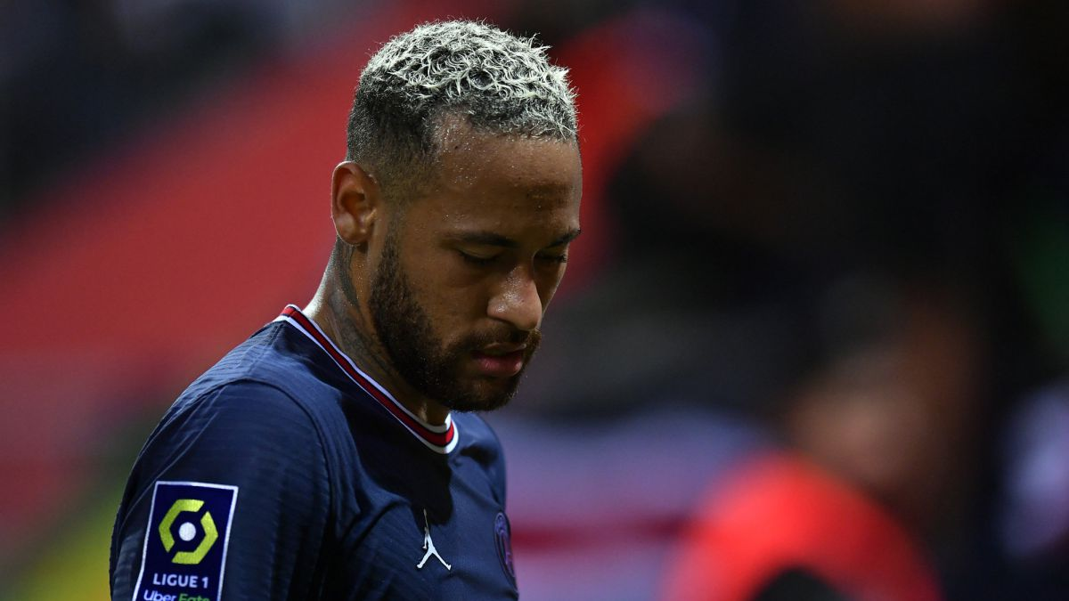 Neymar:-out-of-focus-and-criticized