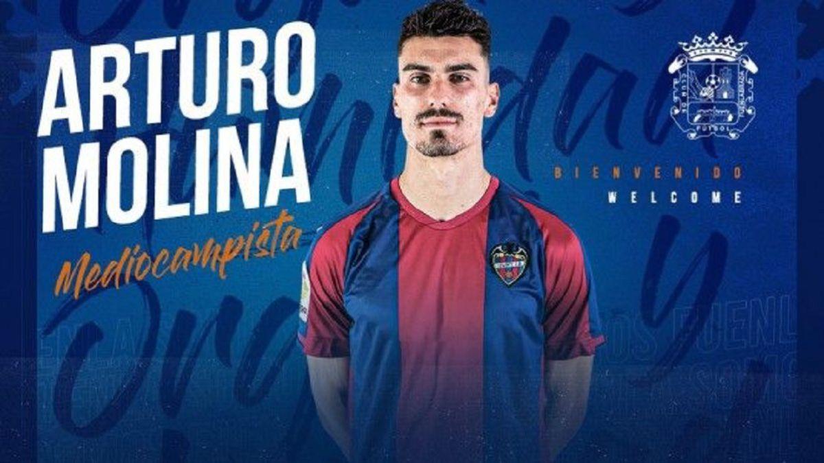 Official:-Arturo-Molina-reinforces-Fuenla's-midfield