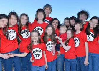 La madre que tenía secuestrados a sus 13 hijos en California ?se quedó perpleja? al ver a la policía