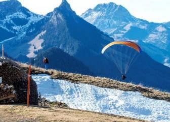 Un parapentista español atrapado en el Himalaya no puede ser rescatado por ahora