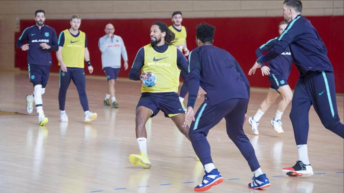 El Barcelona visita al Vardar con el liderato del grupo en juego - AS.com 4e6c45d4350