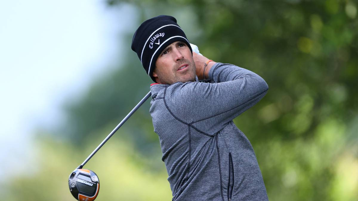 Trio-of-leaders-in-Ireland-with-Elvira-at-four-strokes