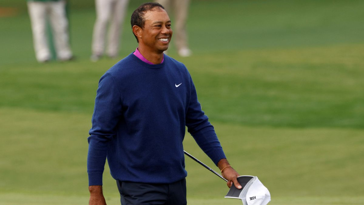 "Tiger-Woods-with-""good-humor"""