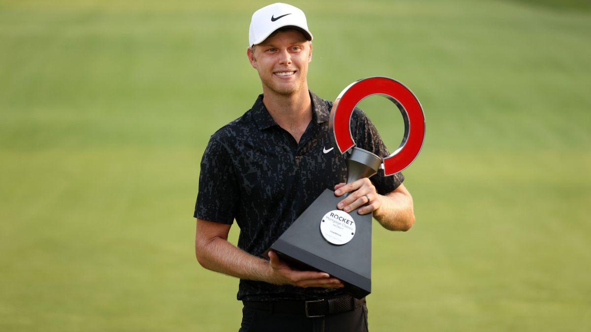 Davis-wins-Rocket-Mortgage-and-debuts-on-PGA-Tour