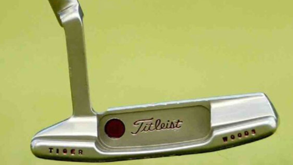 Sold-for-$-393,300-for-a-replacement-Tiger-Woods-putter
