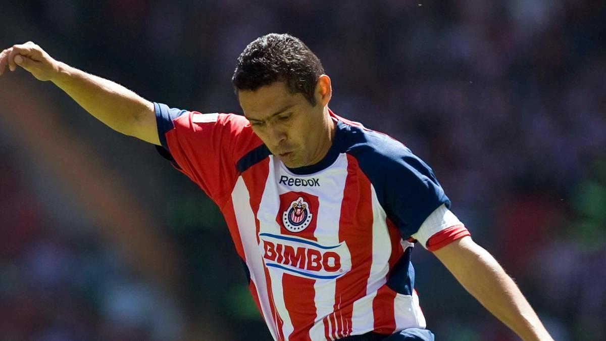 2a0dfd781cb Ramón Morales celebra el regreso de Chivas a televisión abierta - AS ...
