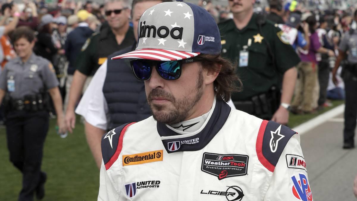 Fernando Alonso, antes de una carrera.
