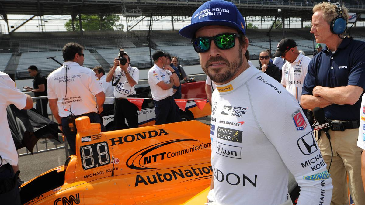 Andretti-chases-Alonso-for-the-Indy-500-with-a-Honda-engine