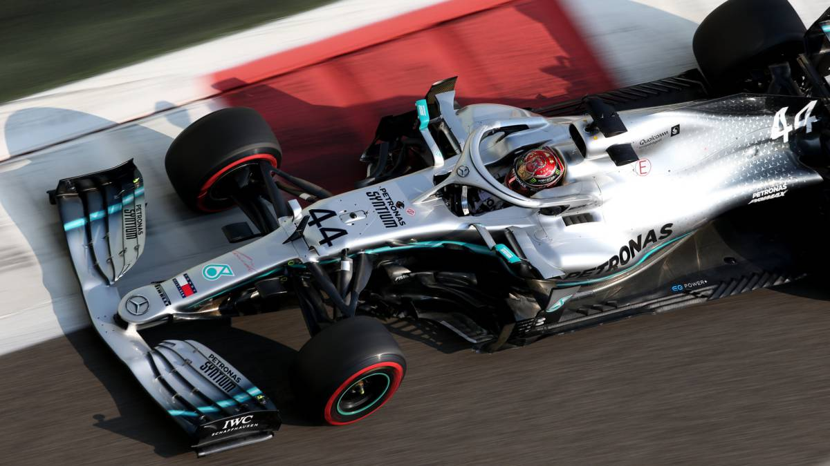 Lewis-Hamilton's-corrective-and-more-firewood-for-Ferrari
