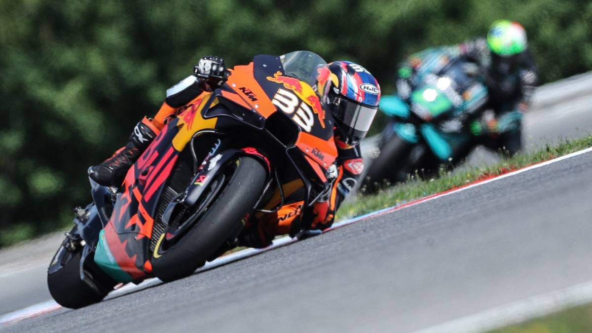 Incredible-victory-for-Binder-with-the-KTM-and-joy-for-Márquez
