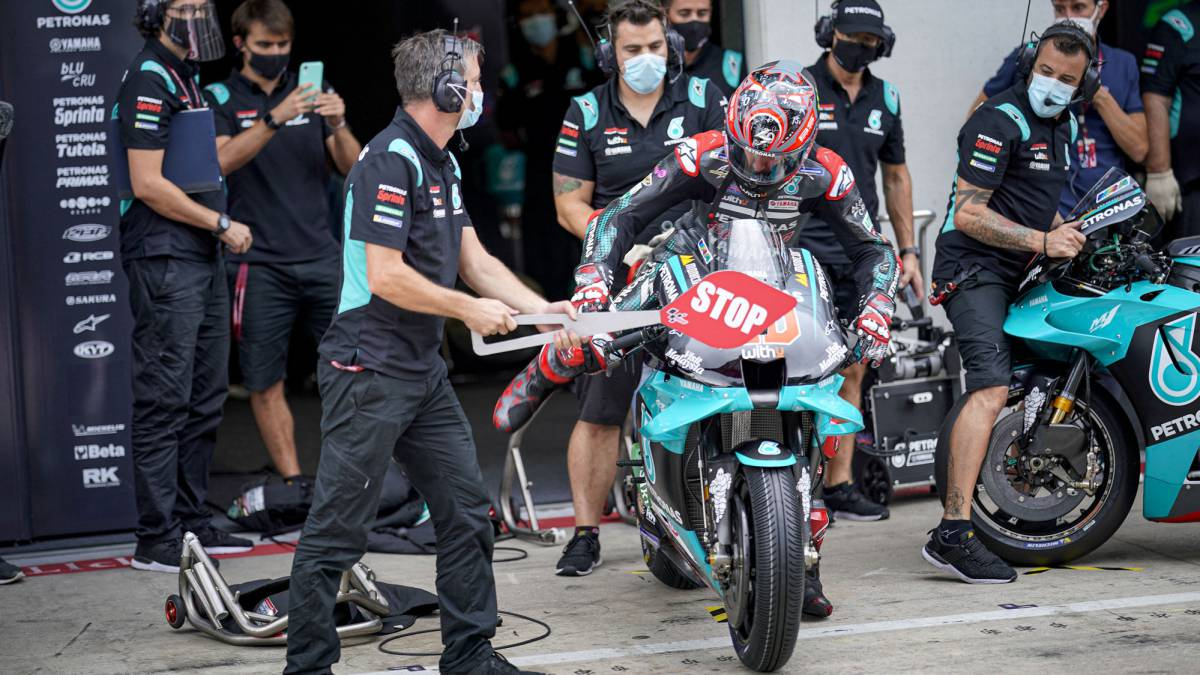 Quartararo-escapes-from-Q1-by-the-hair-and-Maverick-reacts