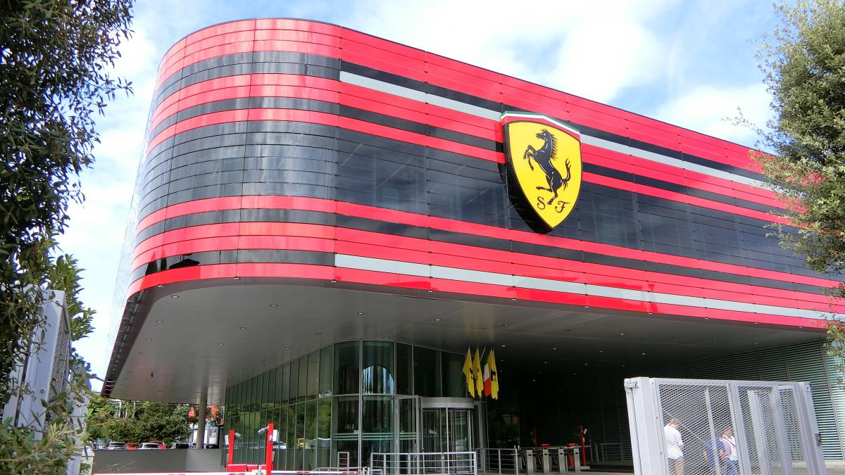 Setback-for-Ferrari:-engine-guru-Mercedes-says-'no'