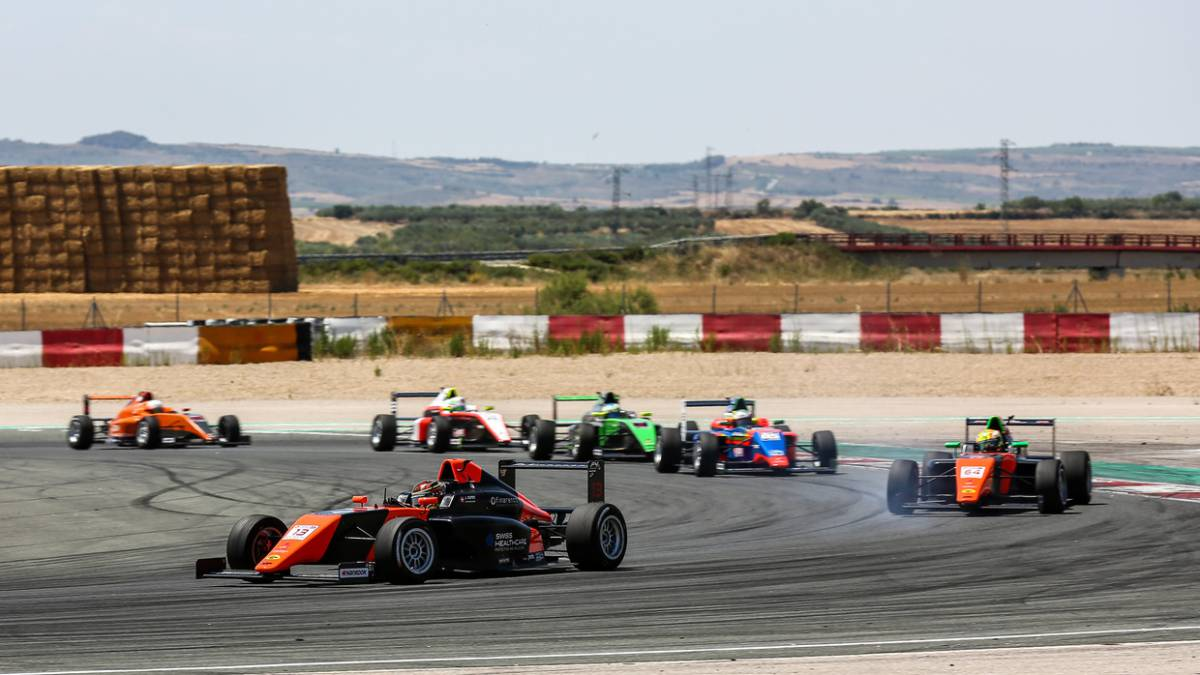 F4-Spain-returns-with-Fluxá-and-Boya-as-Spanish-props