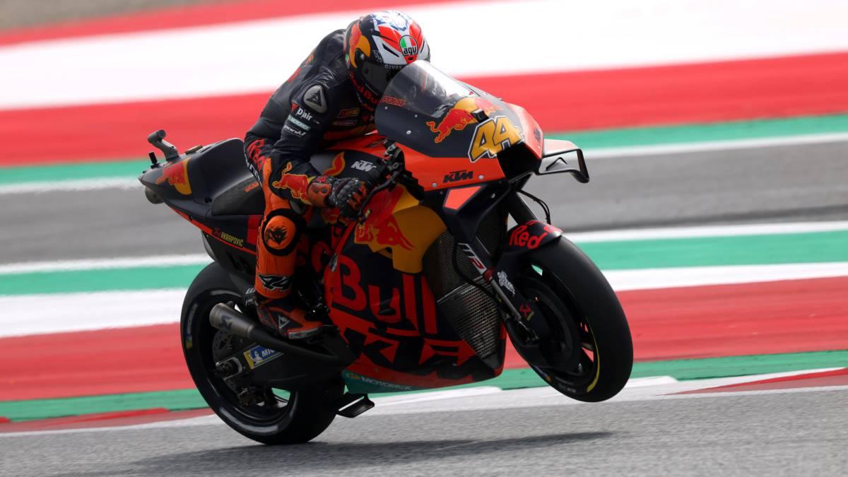 Pol-Espargaró-surpasses-himself-and-beats-the-Ducati