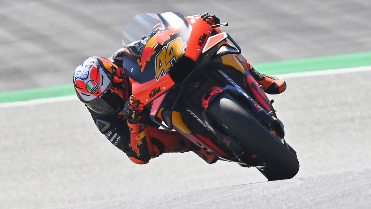 Pol-gives-KTM-his-first-pole-in-MotoGP-and-aims-for-victory