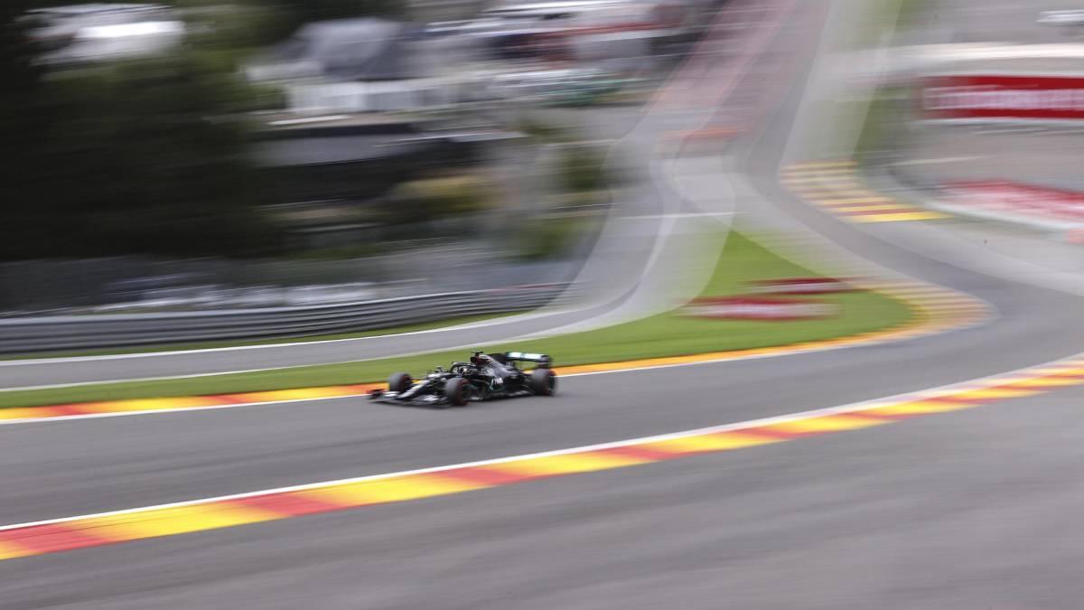 Ferrari-dying-Hamilton-flies