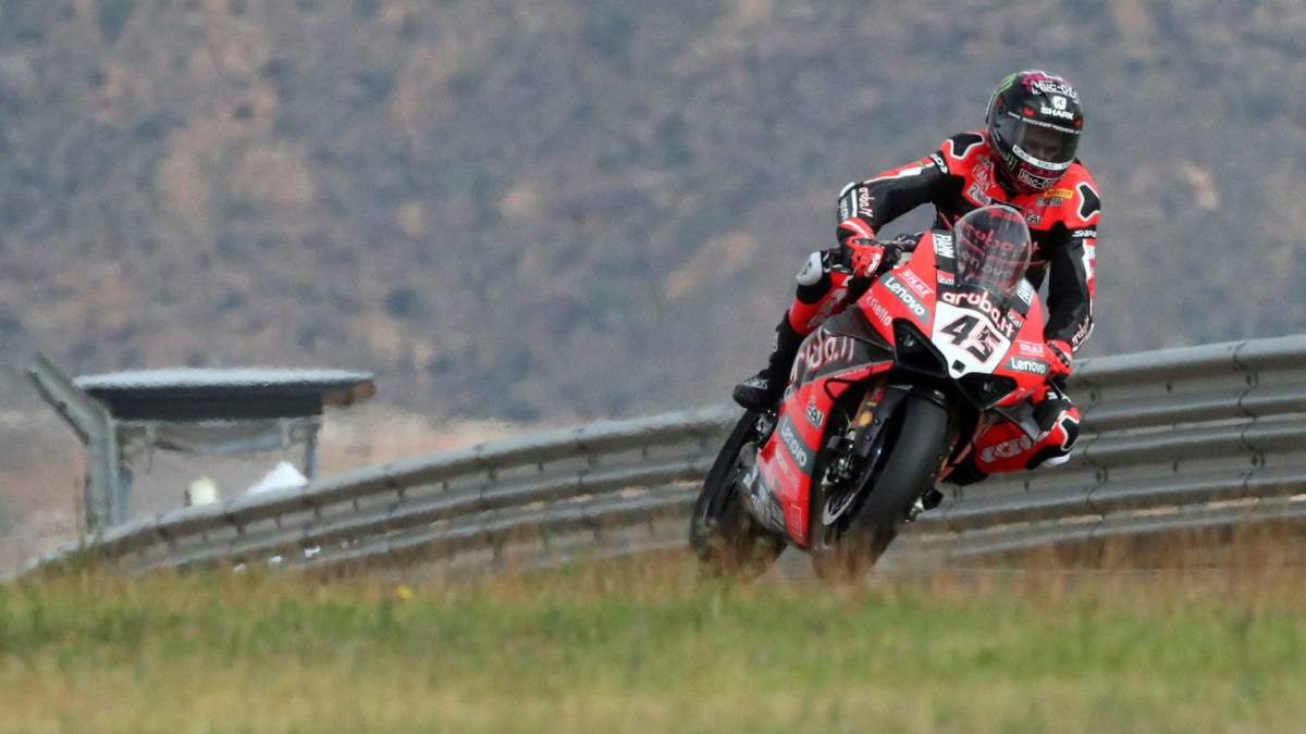 Redding-tops-double-for-Ducati-in-the-first-in-Aragon