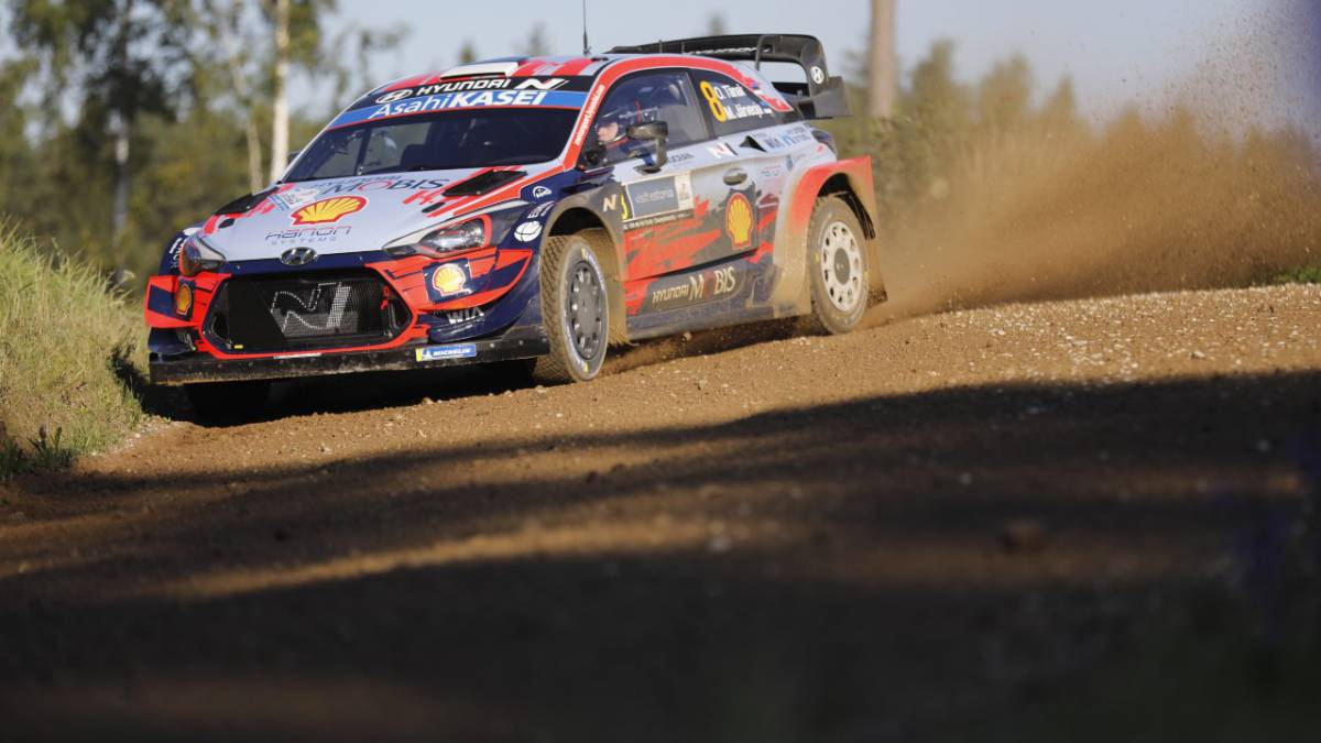 Ott-Tanak-rules-at-home-from-the-start