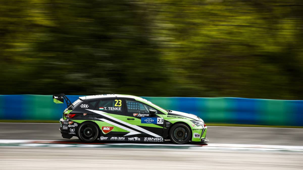 Mikel-Azcona-and-CUPRA-ready-for-the-start-of-the-WTCR