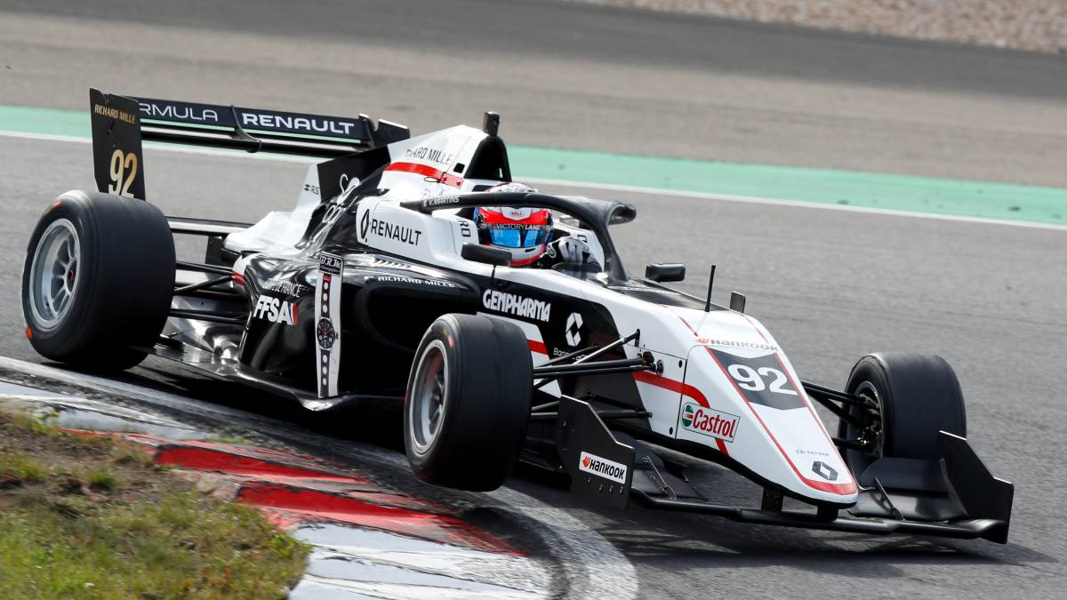 Vidales-leaves-the-Nurburgring-with-another-podium-and-an-eighth