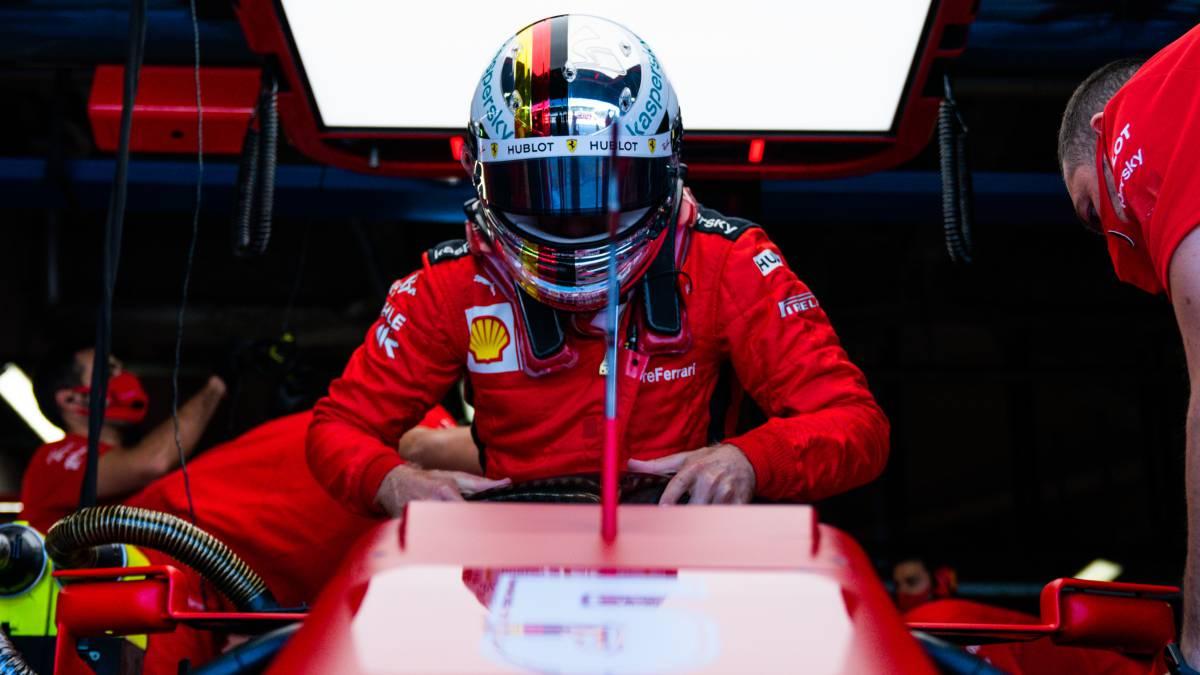 Vettel-signs-for-Aston-Martin