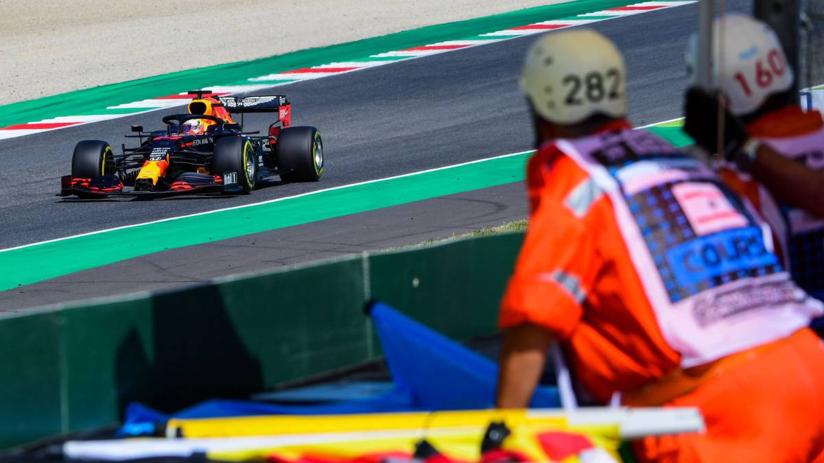Verstappen-enters-the-fight