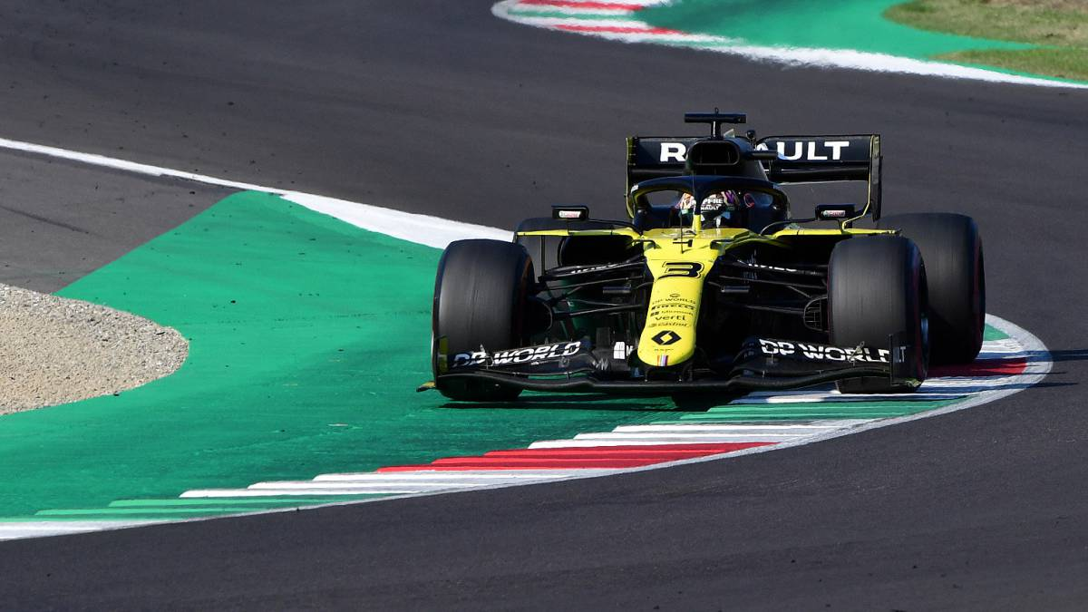 Renault-smells-like-podium