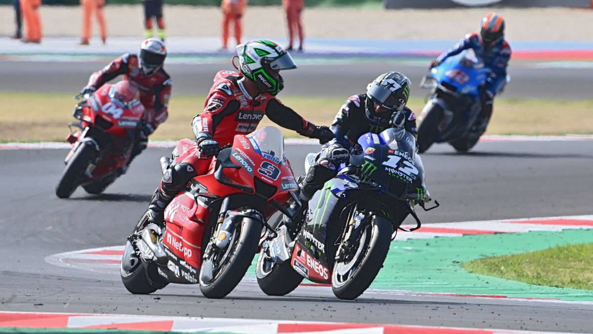 Maverick-Mir-and-Pol-sign-the-Spanish-triplet-in-Misano