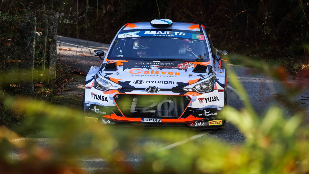 Iván-Ares-climbs-to-the-European-podium-in-Portugal