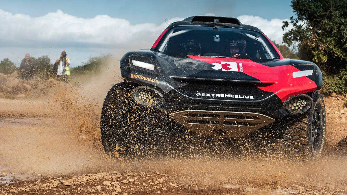 More-protagonists-of-the-Extreme-E-tests:-Loeb-Vergne-...