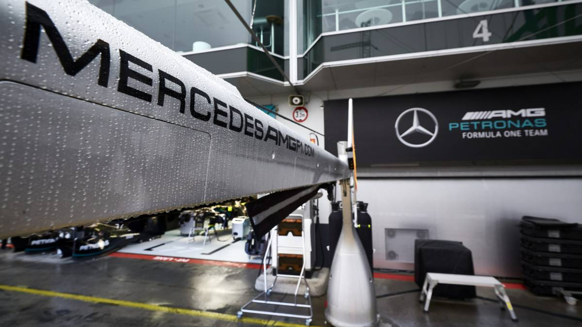 Mercedes-finds-another-positive-and-brings-reinforcements-from-Brackley