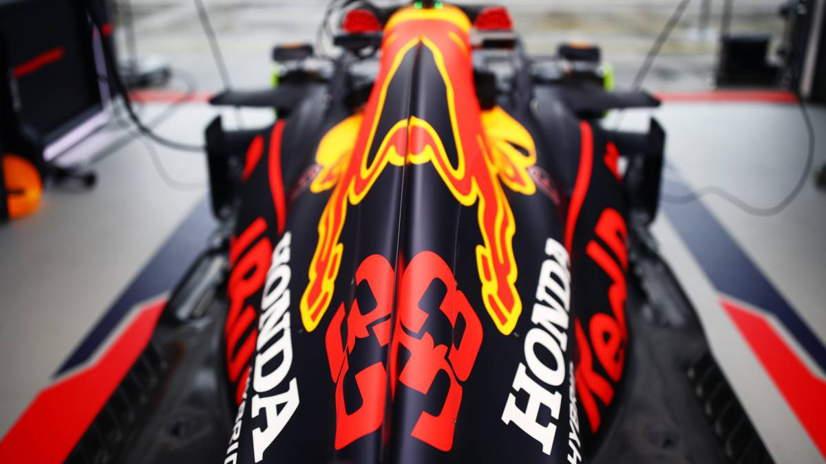 Red-Bull-chips-into-Renault